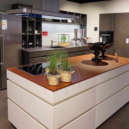 LEICHT Concrete Ausstellungsküche