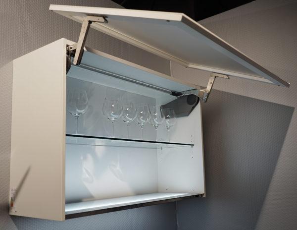 Designglas weiss Ausstellungsküche