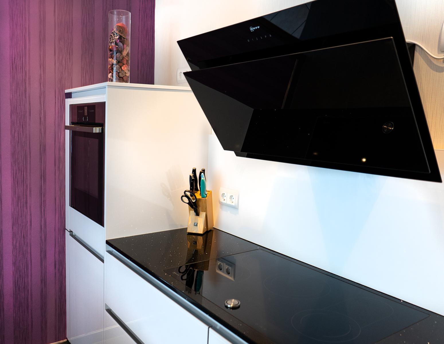 Grifflose LEICHT Küche Merchweiler schwarz weiß