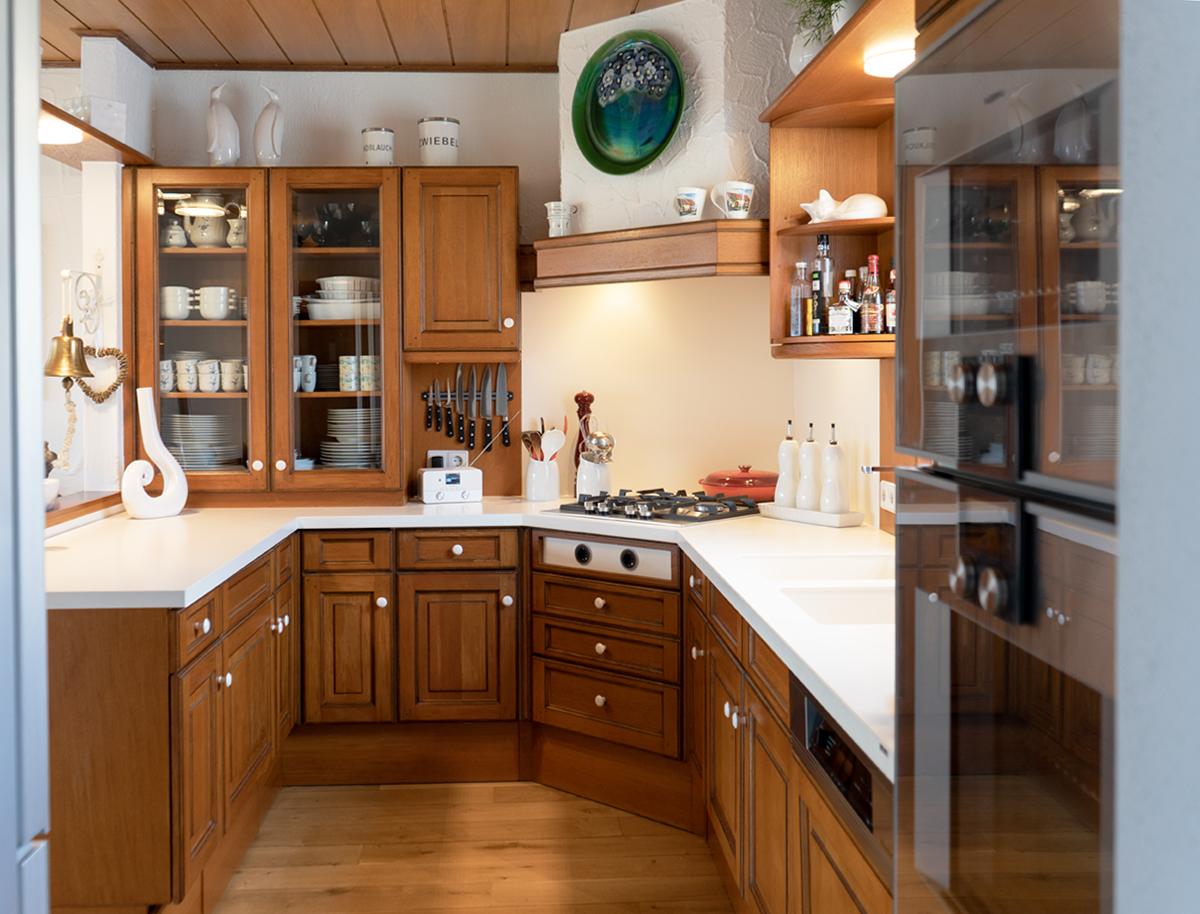 Kundenkuche Illingen Modernisierung Einer Einzigartigen Holzkuche