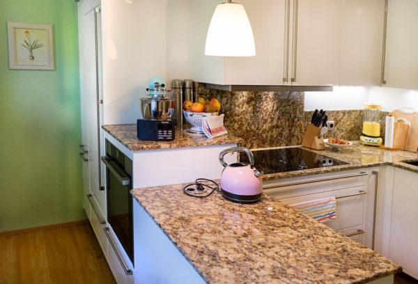 Kleine, verwinkelte Küche in Idar-Oberstein