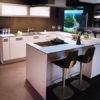 Ausstellungsküche Ensdorf - weiße U-Küche von LEICHT