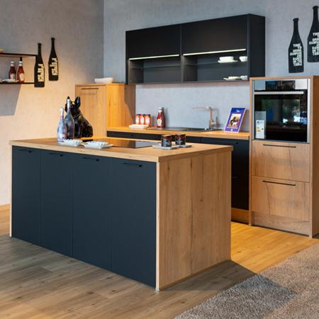 Ausstellungsküche Ensdorf schwarz - Holz