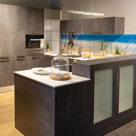 Ausstellungsküche Ensdorf - graue U-Küche