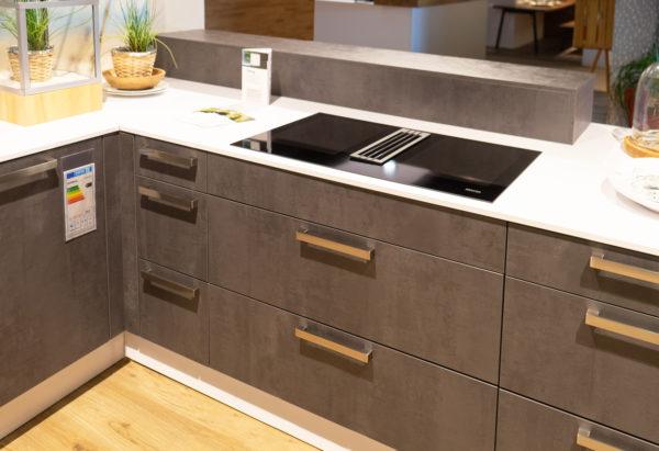 Ausstellungsküche kaufen Saarland - Beton Optik, U-Küche grau