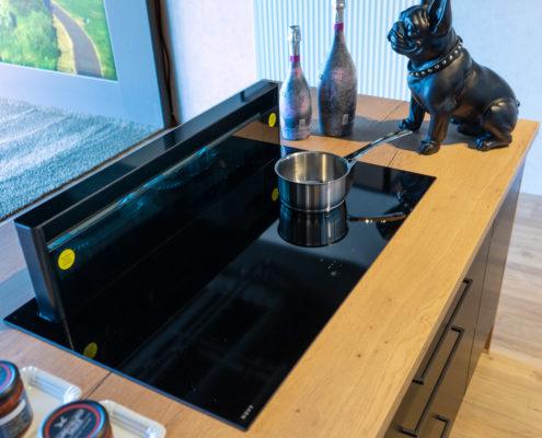 SAAR Kuechen Blog FAQ-Tisch-Dunstabzug Induktionskochfeld