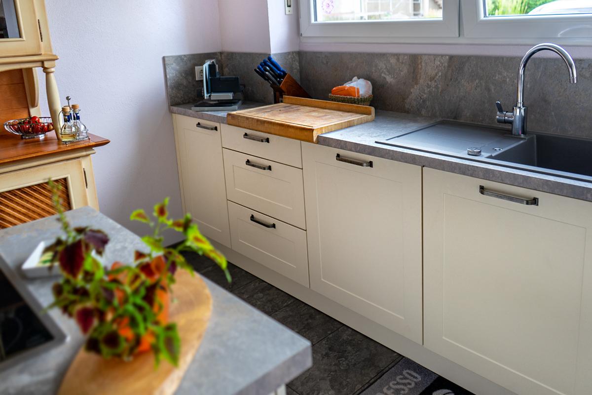 SAAR Küchen Landhaus Riegelsberg Kochinsel_